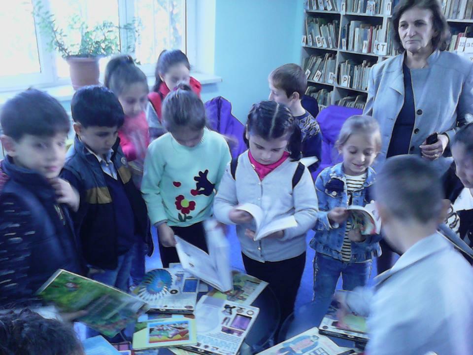 Կապանի թիվ 10 միջն. դպրոցի II- րդ ,,Բ՛՛դասարան (12)