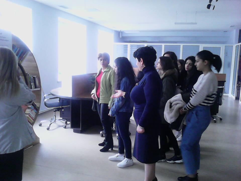 Կապանի թիվ 10 միջն. դպրոցի XI-րդ դասարանի աշակերտների այցը (11)