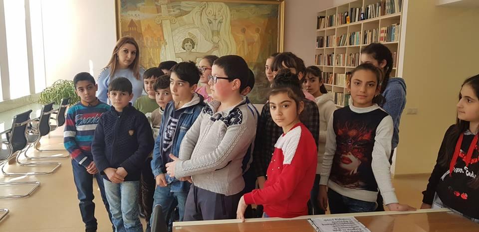 իվ 3-րդ միջնակարգ դպրոցի VI ,,Գ՛՛ դասարանի աշակերտները (15)