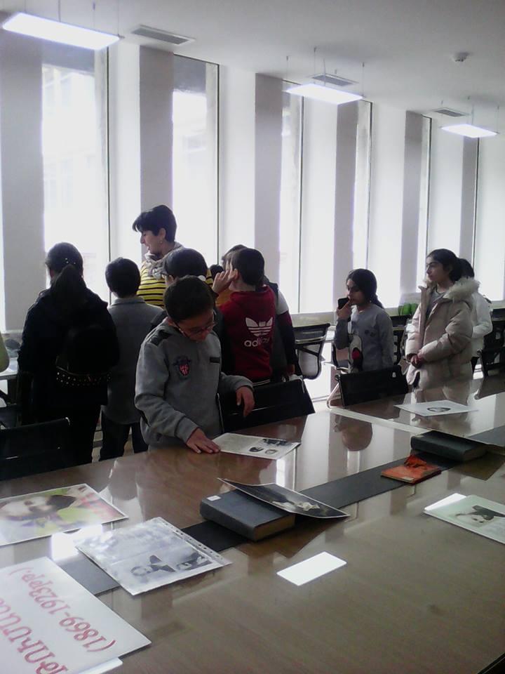Էլեկտրոնային գրադարան այցելեցին թիվ 7 հիմնական դպրոցի V-րդ (1)