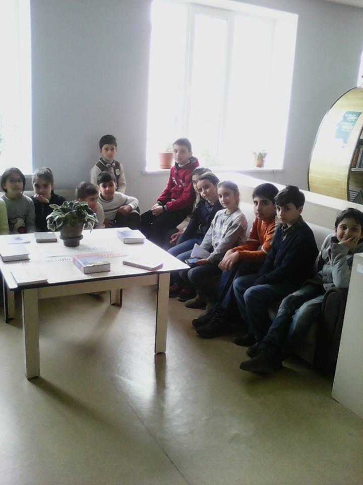 Էլեկտրոնային գրադարան այցելեցին թիվ 7 հիմնական դպրոցի V-րդ (10)