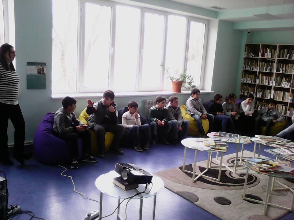 Էլեկտրոնային գրադարան այցելեցին թիվ 7 հիմնական դպրոցի V-րդ (11)