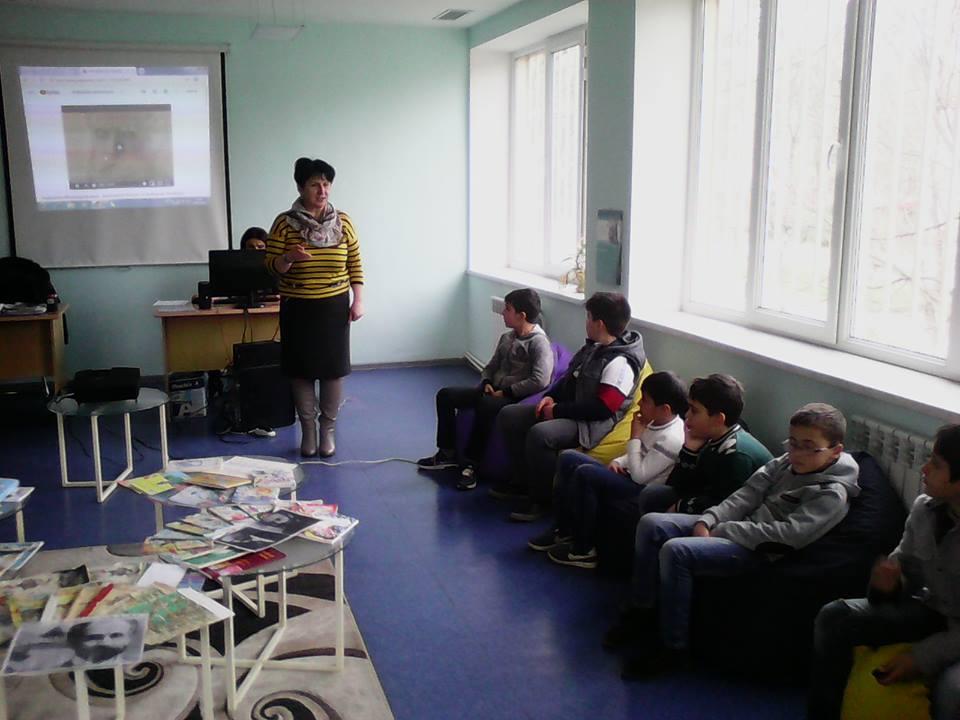 Էլեկտրոնային գրադարան այցելեցին թիվ 7 հիմնական դպրոցի V-րդ (13)