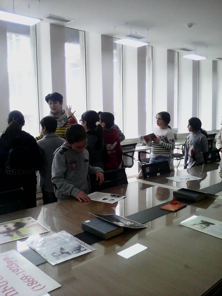 Էլեկտրոնային գրադարան այցելեցին թիվ 7 հիմնական դպրոցի V-րդ (19)