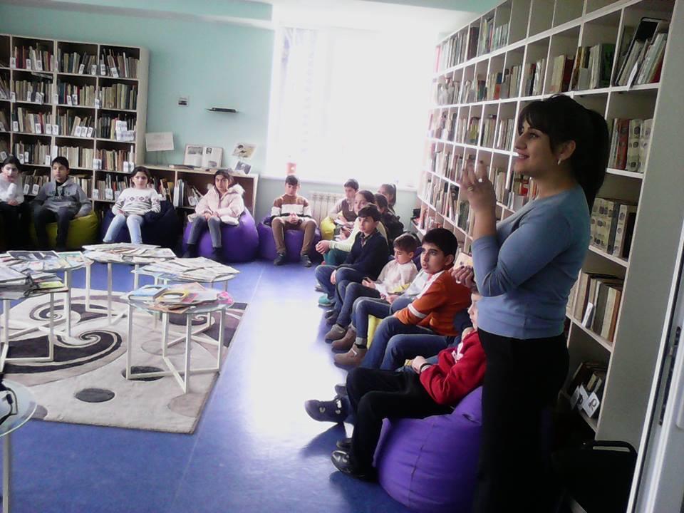 Էլեկտրոնային գրադարան այցելեցին թիվ 7 հիմնական դպրոցի V-րդ (2)