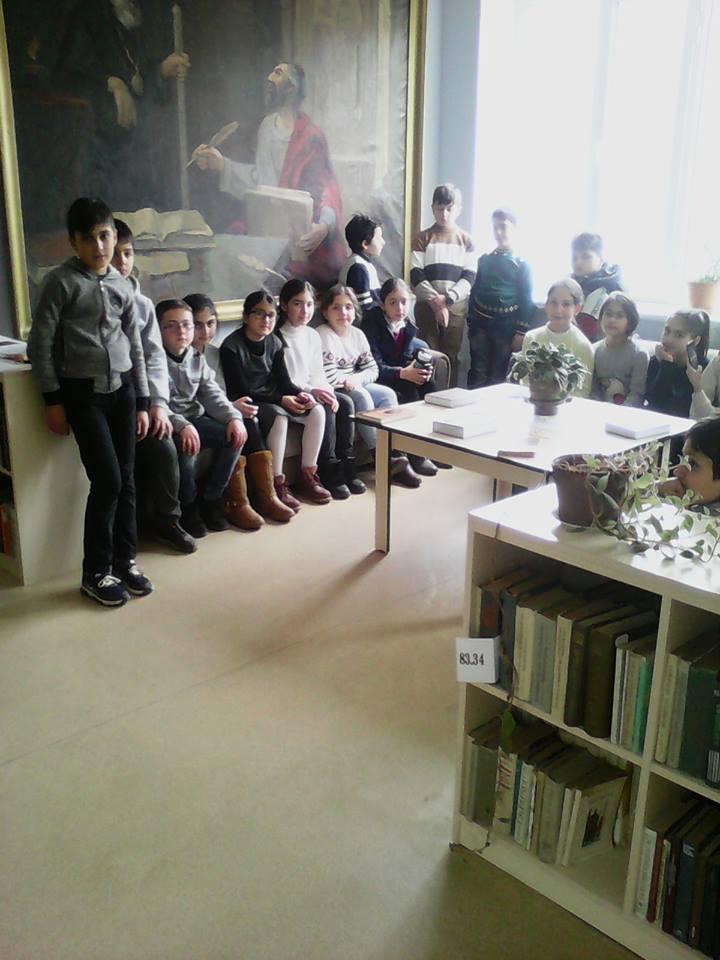 Էլեկտրոնային գրադարան այցելեցին թիվ 7 հիմնական դպրոցի V-րդ (20)