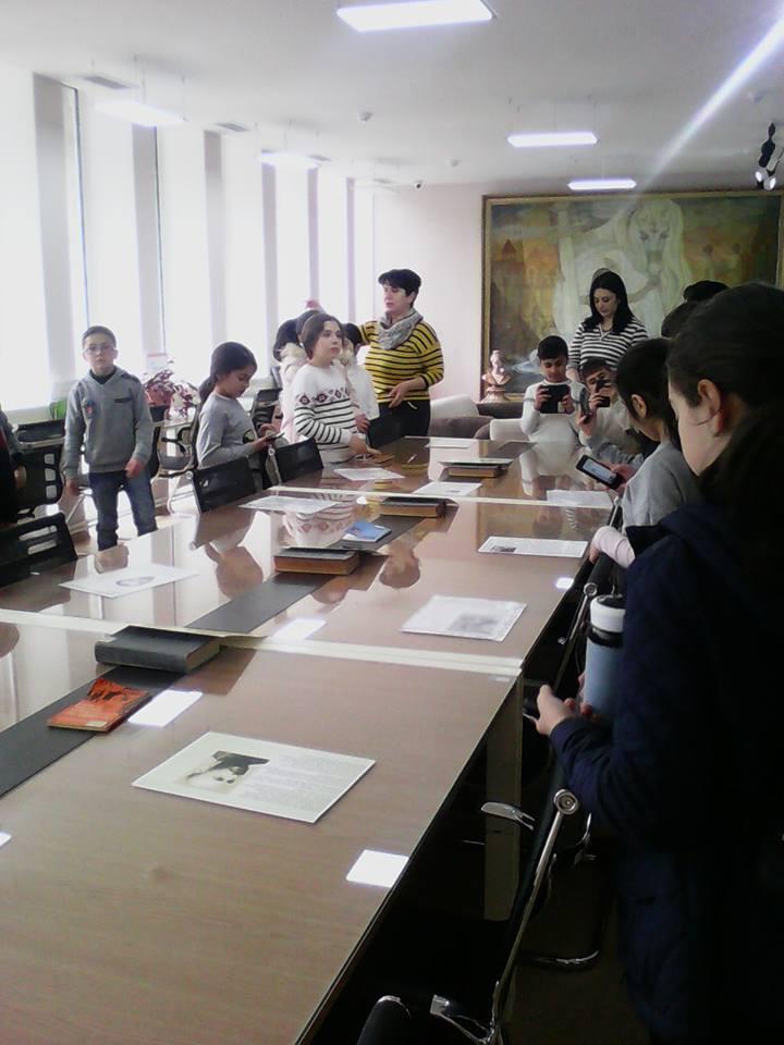 Էլեկտրոնային գրադարան այցելեցին թիվ 7 հիմնական դպրոցի V-րդ (22)