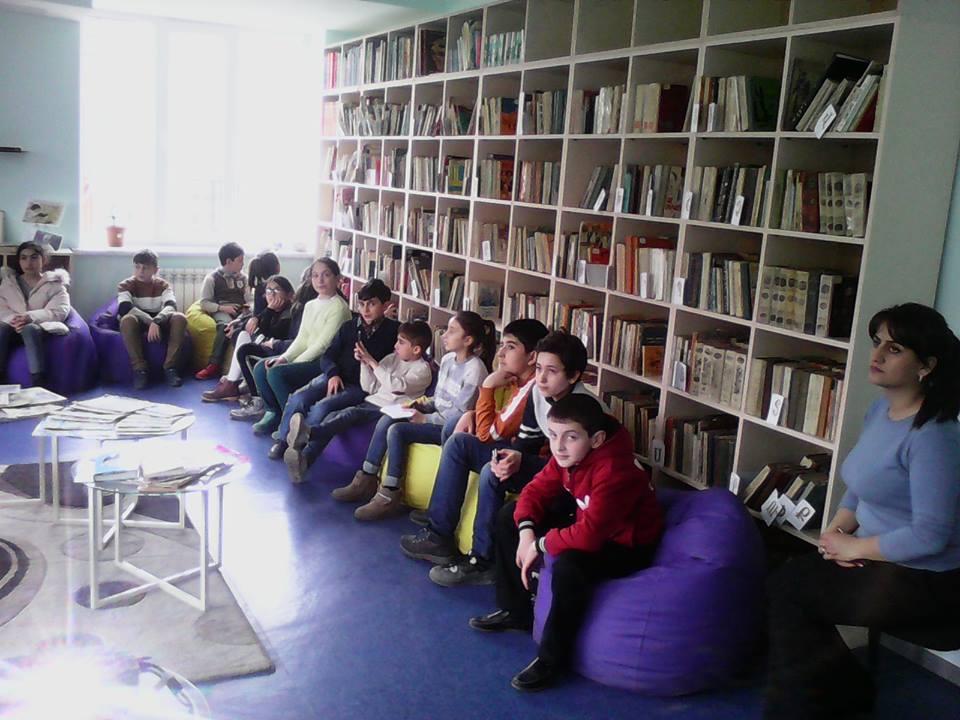 Էլեկտրոնային գրադարան այցելեցին թիվ 7 հիմնական դպրոցի V-րդ (24)