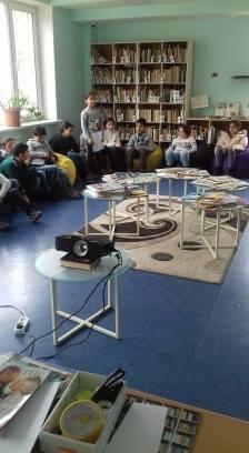 Էլեկտրոնային գրադարան այցելեցին թիվ 7 հիմնական դպրոցի V-րդ (27)