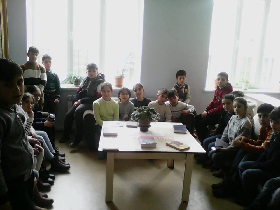 Էլեկտրոնային գրադարան այցելեցին թիվ 7 հիմնական դպրոցի V-րդ (3)