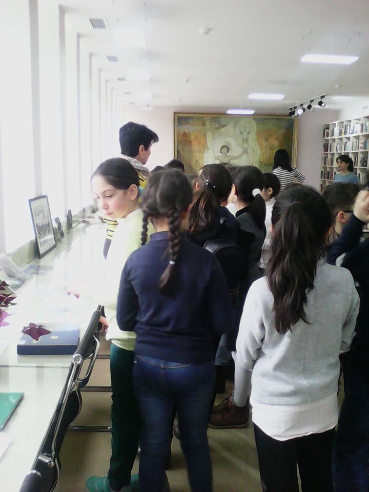 Էլեկտրոնային գրադարան այցելեցին թիվ 7 հիմնական դպրոցի V-րդ (4)