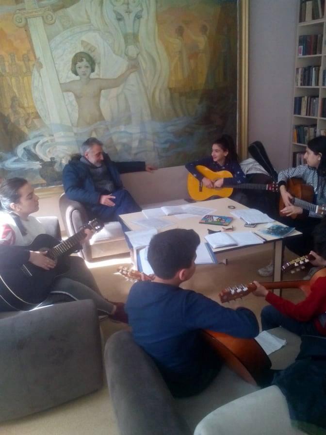 Կիթառի դաս-պարապմունք (5)
