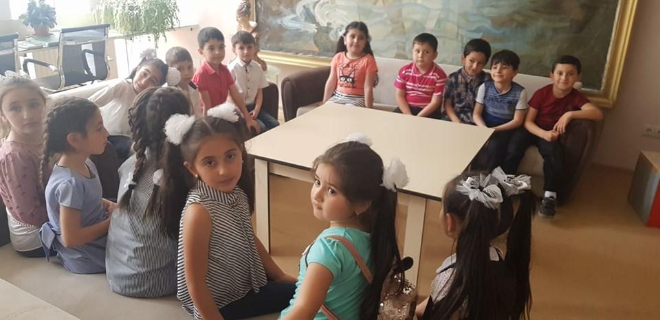 Թիվ 10 միջն. դպրոցի I- ին դասարանի աշակերտների այցը (12)
