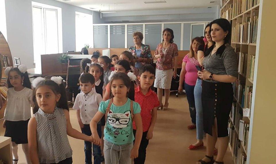 Թիվ 10 միջն. դպրոցի I- ին դասարանի աշակերտների այցը (17)